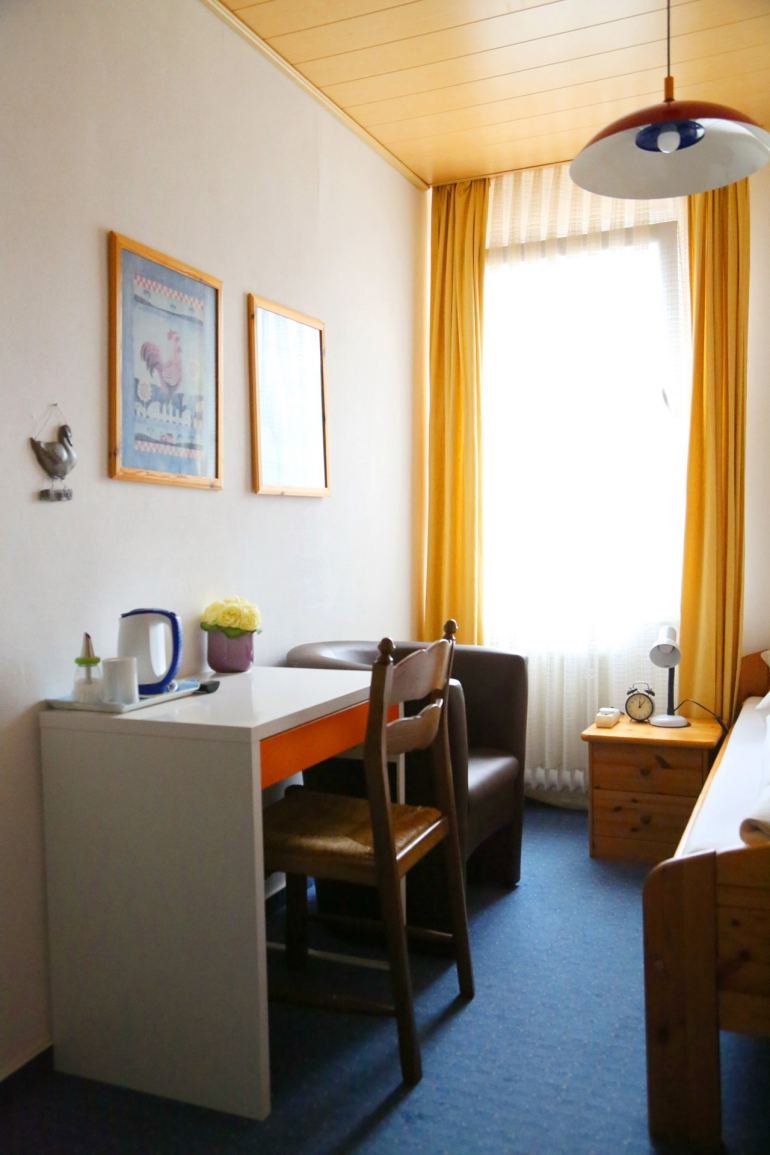 Einzelzimmer 3